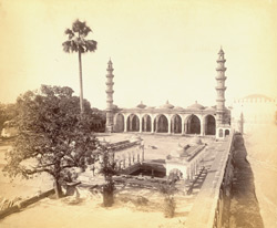 General view of Shah Alam's Mosque, Ahmadabad 1762